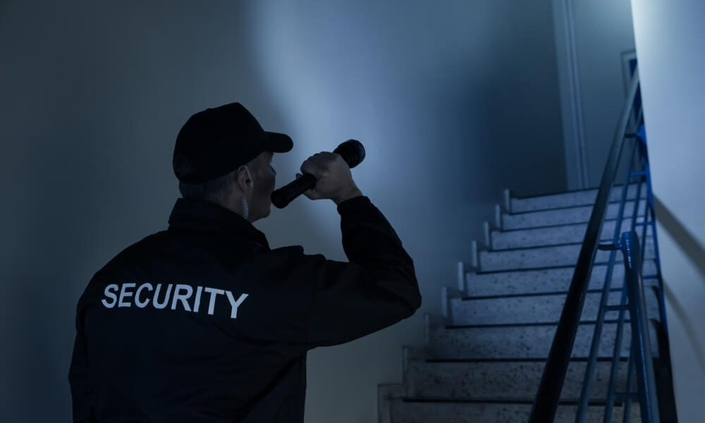 list of best flashlights for security guards